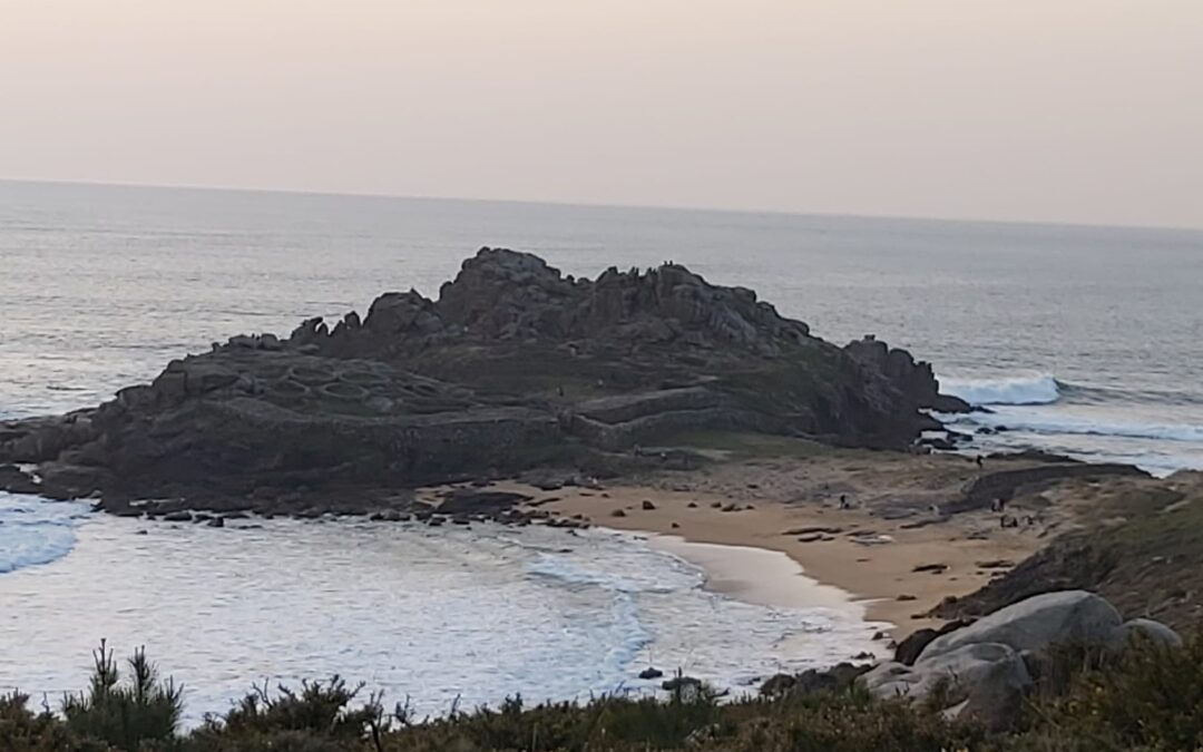 Playa de Arealonga, Castro de Baroña